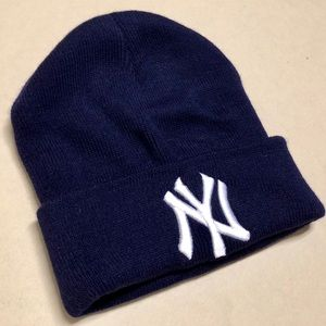 Other - New York Yankees - NEW Winter Stocking Hat ⚾️